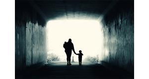 چه مادرانی مانع مرد شدن پسرانشان می شوند؟